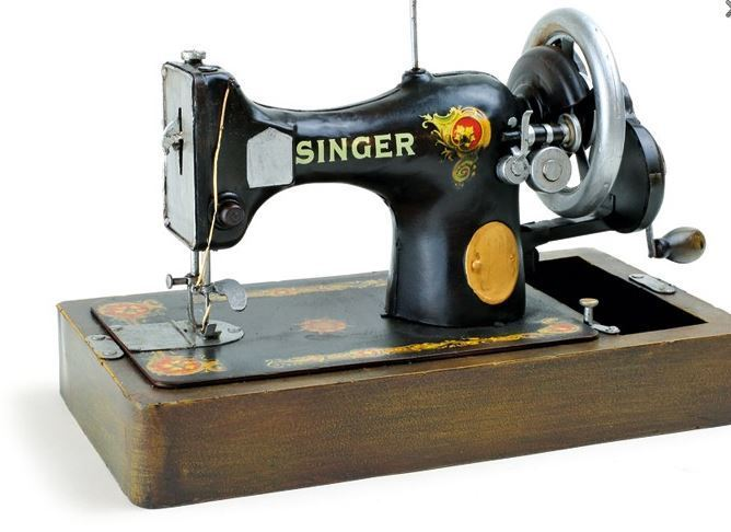 Vintage decoratie singer naaimachine donk toyshop for Machine a coudre winkel